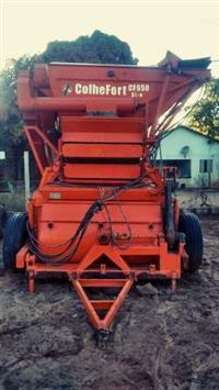 Colheitadeira CF 950 Evolution Ano 2013