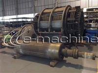 Gerador Fabricante AEG  Capacidade de Geração de 10 000 KVA / 8 000 KW  Fator de serviço 0 8