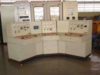 Mesa de sincronismo para dois geradores e concessionária