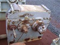 Redutor Falk modelo 1090 YPA 1-5.4, entrada 4711 rpm, saída 860 rpm, potência 700 hp, fator 1,4