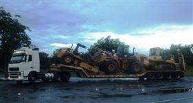 Trek transporte de maquinas e implementos agricolas ( prancha 4 eixos 18m )