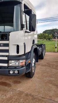 Caminhão Scania P 420 ano 05
