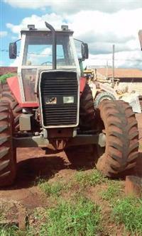Trator Massey Ferguson 660 4x4 ano 00