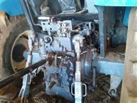 Trator Ford/New Holland TM 135 4x4 ano 01