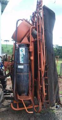 PULVERIZADOR JACTO 600 L. ANO. 2004.