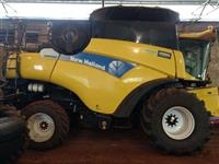 COLHEITADEIRA NEW HOLLAND CR9060 ELEVATION, 4X2, COM PLATAFORMA 30 PÉS, ANO 2010