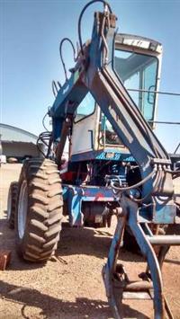 Trator Carregadeiras MF 290 RA com Implemento Sermag 4x4 ano 07