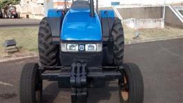 Trator New Holland TL 75 E 4x2 ano 03
