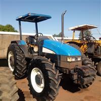 Trator New Holland TL 85 E 4x4 ano 09
