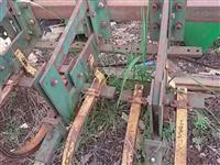 Cultivador Munari oscilante carrinho individual soja milho mandioca batata p/trator agrícola Massey
