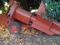 Colheitadeira foguetinho graneleiro colhedora grãos graneleira p/  trator agrícola de pneus Massey