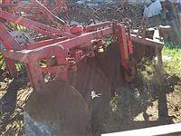 Arado reversível santa isabel 3 bacias p/ trator agrícola Massey New Hollland Ford John Deere Valtra