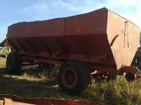 Carreta Bazuca graneleira 15 toneladas 4 rodas pneus depósito tampa chupim descarga