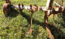 Subsolador hidráulico pesado 5 hastes