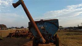 Carreta graneleira bazuca agrícola pneus de caminhão
