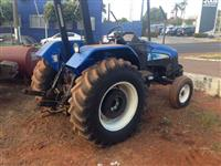 Trator Ford/New Holland TL 60 e MWM 4x2 ano 07