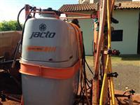 Pulverizador jacto 800 litros automatica
