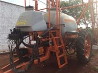 pulverizador  jacto advanced 2.000 litros 2013 -18 metros