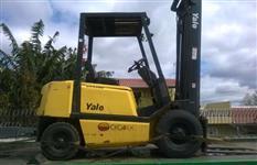 Vendo empilhadeira Yale R25