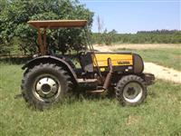 Mini/Micro Trator TOBATTA 14CV COM IMPLEMENTOS 4x2