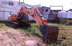 Vendo  Escavadeira Hidráulica Victor V333 Ano 2013