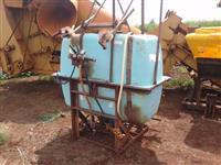 Pulverizador Berthould 600 Litros