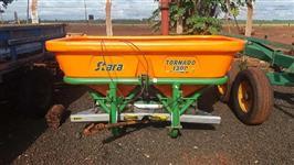 Distribuidor de Calcário 1.300 Kilos Stara Tornado ano 2010