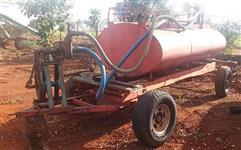 Carreta Tanque 3.000 Litros com Bomba de Água