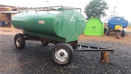 Carreta Tanque 4.000 Litros Marca Acton ano 2003 em excelente estado de conservação!