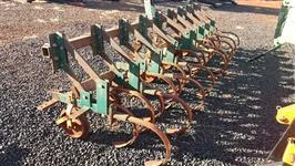 Cultivador Munari com 9 Carrinhos em ótimo estado de conservação!