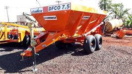 Distribuidor de Fertilizantes e Composto Orgânico 7.500 Kilos esteira de 80 cm.