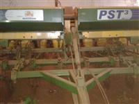 Plantadeira PST 3 com 8 Linhas em ótimo estado de conservação!
