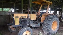 Trator Valtra/Valmet 88 4x2 ano 82