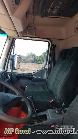 Caminhão Volvo VOLVO VM 260 , 6X4 CAÇAMBA ano 11
