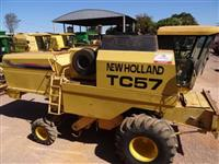Colheitadeira New Holland TC 57 ano 1998