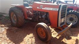 Trator Massey Ferguson 235 4x2 ano 80