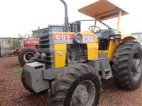 Trator CBT 8260 4x4 ano 89