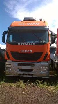 Caminhão Iveco STRALIS 600S56T 6X2 HI-WAY ano 13