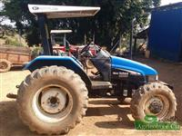 Trator Ford/New Holland TL 75 E (Apenas 2.100 Horas - Excelente Estado!) 4x4 ano 04