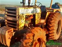 Trator CBT 8060 (Motor Mercedes - Pneus Novos!) 4x4 ano 93