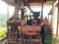 Trator Carregadeiras Massey Ferguson 65 R (Implemento Santal!) 4x2 ano 85