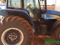 Trator Ford/New Holland TM 7010 (Apenas 2.800 Horas - Câmbio Automático!) 4x4 ano 10