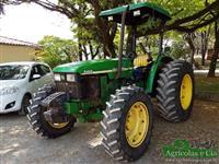 Trator John Deere 5403 4x4 ano 02