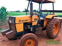 Trator Valtra/Valmet 685 4x2 ano 95