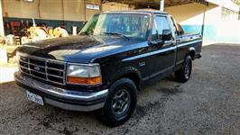 Caminhonete Ford F1000 XLT ano 1997