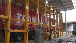 Alinhador desempenador de caminhões e carretas basculantes