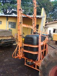 Pulverizador agrícola marca Jacto modelo Condor M12 de 600 litros