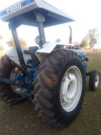 Trator Ford/New Holland 6610 4x2 ano 89