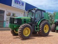 Trator John Deere 6125D 4x4 ano 13