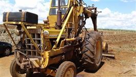 Trator Carregadeiras CBT 2105 4x2 ano 80
